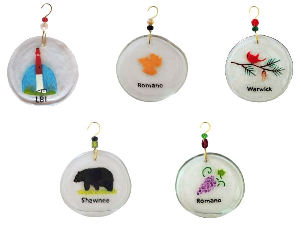 5 custom sun catcher designs made from the bottom of upcycled wine bottles